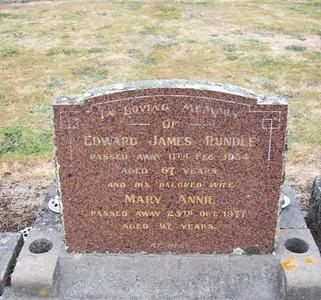 Picture of Taruheru cemetery, block 22, plot 330.
