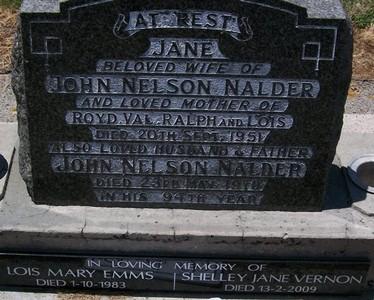 Picture of Taruheru cemetery, block 22, plot 71.