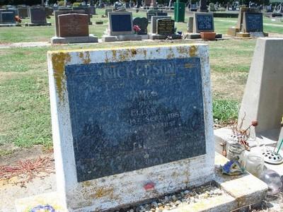 Picture of Taruheru cemetery, block 25, plot 324.
