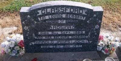 Picture of Taruheru cemetery, block 26, plot 302.
