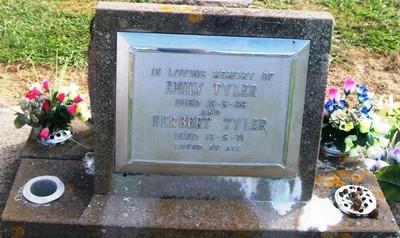 Picture of Taruheru cemetery, block 26, plot 360.