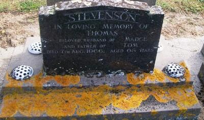 Picture of Taruheru cemetery, block 26, plot 415.