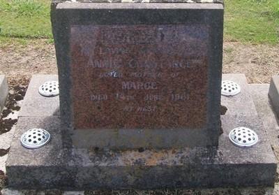 Picture of Taruheru cemetery, block 27, plot 202.