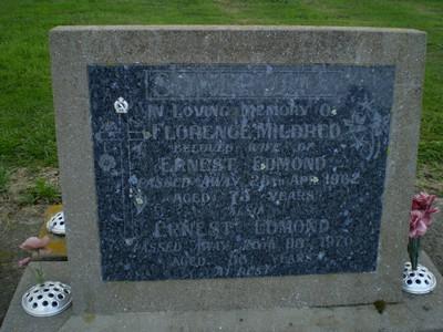 Picture of Taruheru cemetery, block 27, plot 362.