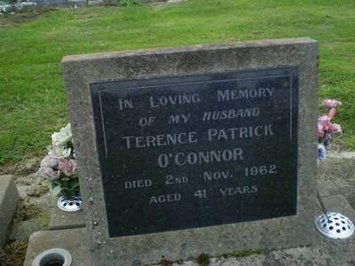 Picture of Taruheru cemetery, block 27, plot 405.
