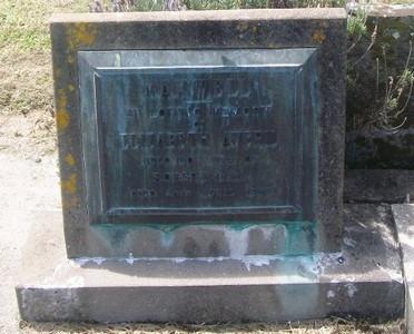 Picture of Taruheru cemetery, block 27, plot 473.