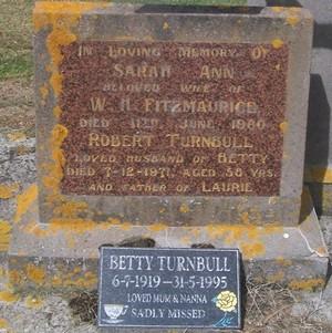 Picture of Taruheru cemetery, block 27, plot 62.
