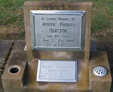 Picture of Taruheru cemetery, block 28, plot 361.
