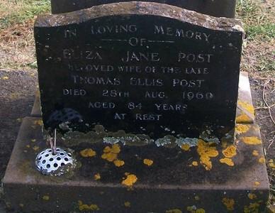 Picture of Taruheru cemetery, block 28, plot 375.