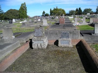 Picture of Taruheru cemetery, block 2, plot 1.