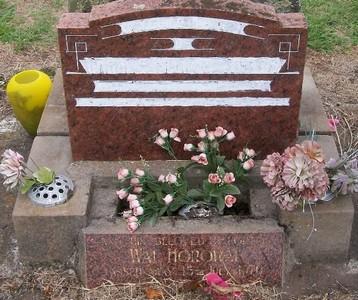 Picture of Taruheru cemetery, block 30, plot 152.