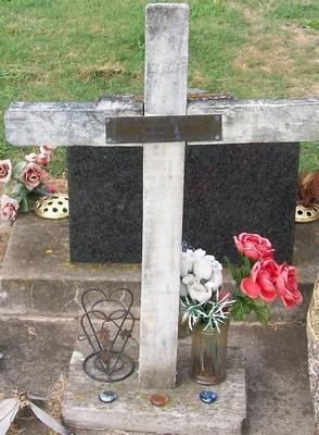 Picture of Taruheru cemetery, block 35, plot 243.