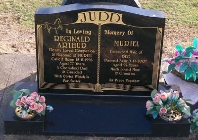 Picture of Taruheru cemetery, block 37, plot 75.