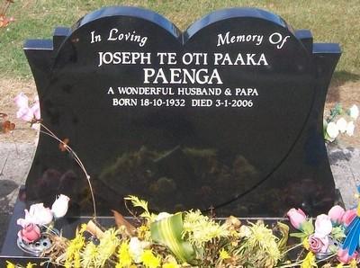 Picture of Taruheru cemetery, block 39, plot 307.