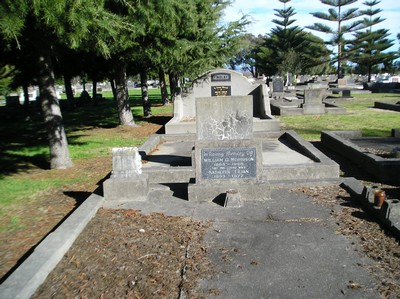 Picture of Taruheru cemetery, block 3, plot 4.