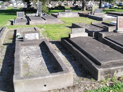 Picture of Taruheru cemetery, block 3, plot 58.