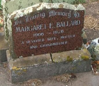 Picture of Taruheru cemetery, block 40, plot 1.