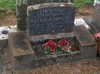 Picture of Taruheru cemetery, block 40, plot 17.