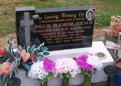 Picture of Taruheru cemetery, block 40, plot 22.