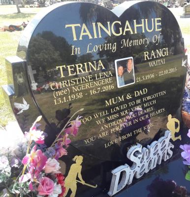 Picture of Taruheru cemetery, block 42, plot 65.