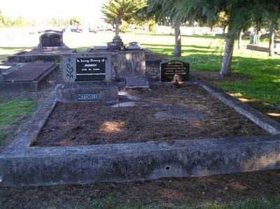 Picture of Taruheru cemetery, block 4, plot 25.