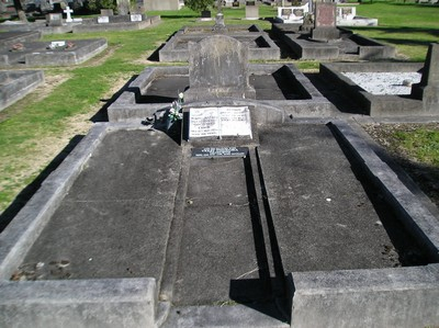 Picture of Taruheru cemetery, block 4, plot 29.