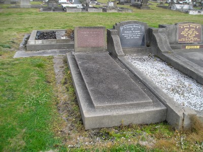 Picture of Taruheru cemetery, block 6, plot 126B.