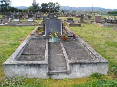 Picture of Taruheru cemetery, block 6, plot 139.
