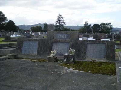 Picture of Taruheru cemetery, block 7, plot 105.