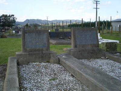 Picture of Taruheru cemetery, block 7, plot 15.