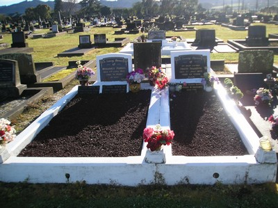 Picture of Taruheru cemetery, block 7, plot 50.