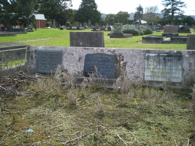 Picture of Taruheru cemetery, block 8, plot 11.