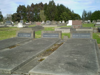 Picture of Taruheru cemetery, block 8, plot 32.