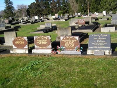 Picture of Taruheru cemetery, block 8, plot 64.