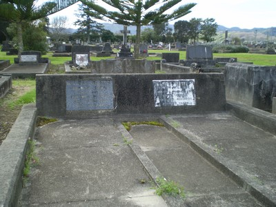 Picture of Taruheru cemetery, block 9, plot 40.