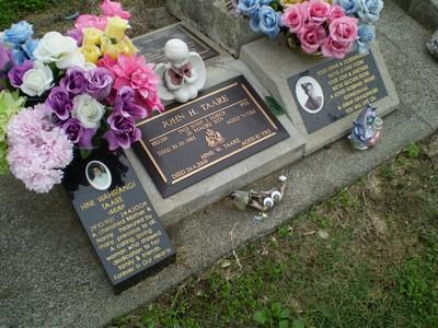 Picture of Taruheru cemetery, block RSA34, plot 414.