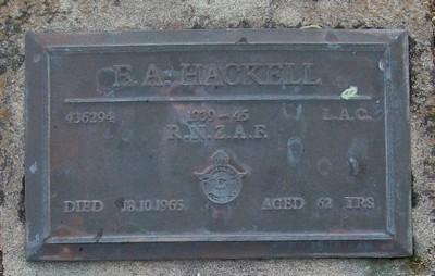 Picture of Taruheru cemetery, block RSA, plot 261.