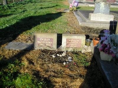 Picture of Taruheru cemetery, block R, plot 148.