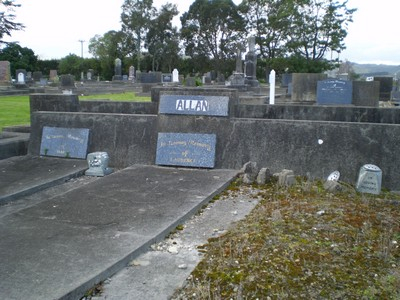 Picture of Taruheru cemetery, block R, plot 48.