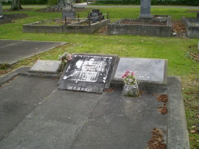 Picture of Taruheru cemetery, block SEC1, plot 103.