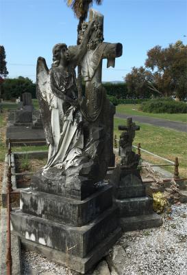 Picture of Taruheru cemetery, block SEC1, plot 253.