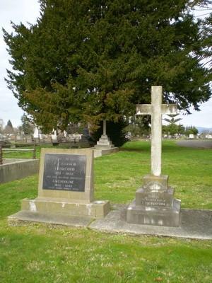 Picture of Taruheru cemetery, block SEC1, plot 284.