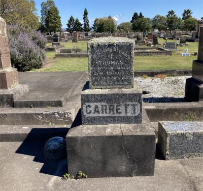 Picture of Taruheru cemetery, block SEC2, plot 701.