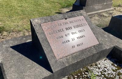 Picture of Taruheru cemetery, block SEC2, plot 857.
