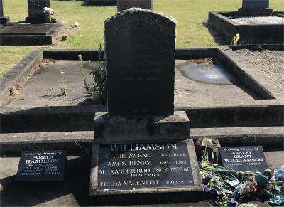 Picture of Taruheru cemetery, block SEC2, plot 883.