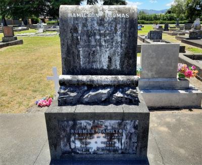 Picture of Taruheru cemetery, block SEC3, plot 1136.