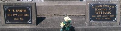 Picture of Taruheru cemetery, block SEC3, plot 1352.