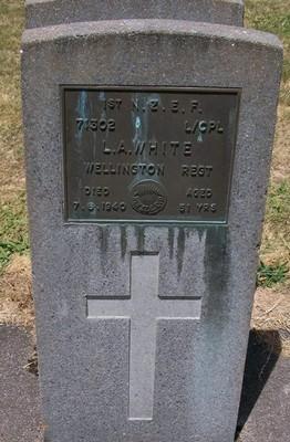 Picture of Taruheru cemetery, block S, plot 124.