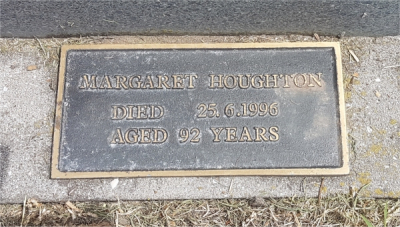 Picture of Taruheru cemetery, block S, plot 136.