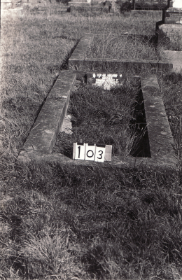 Historic picture of Makaraka cemetery, block MKAFS, plot 103.